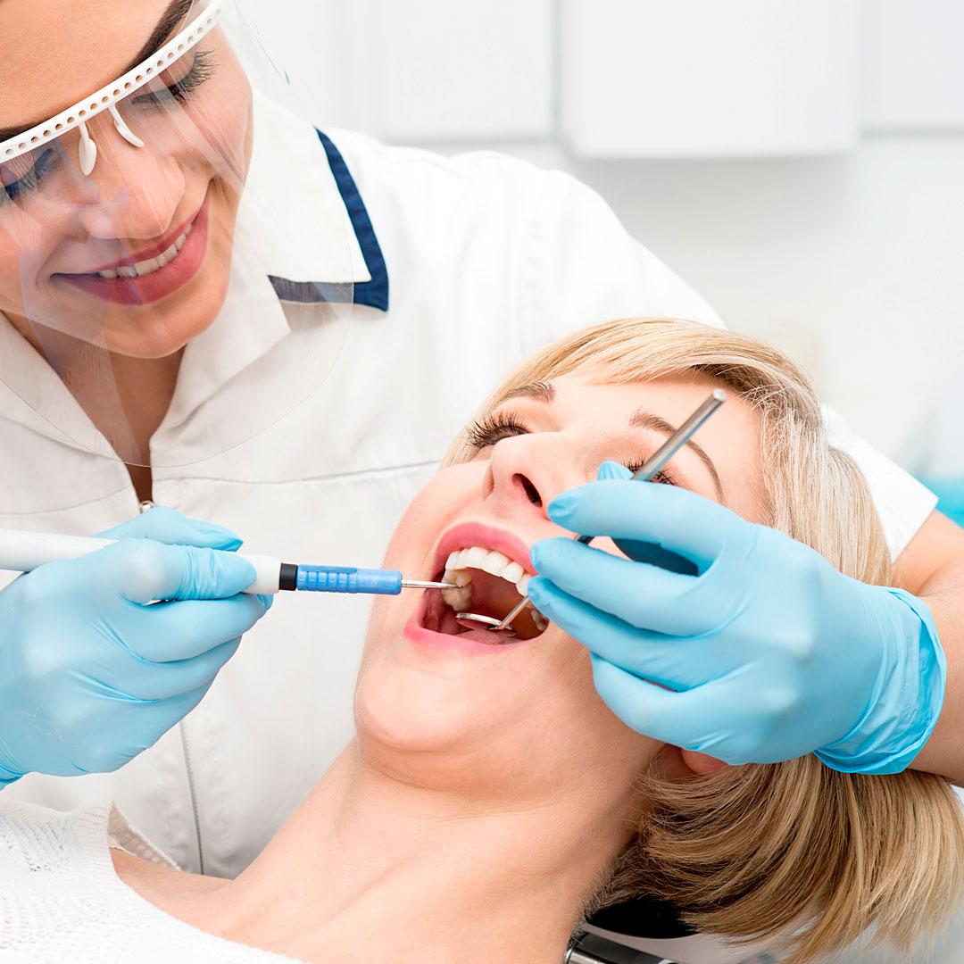 Комплексная чистка зубов -30%